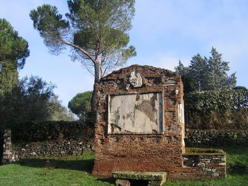 Гробница Сикста Помпея Справедливого