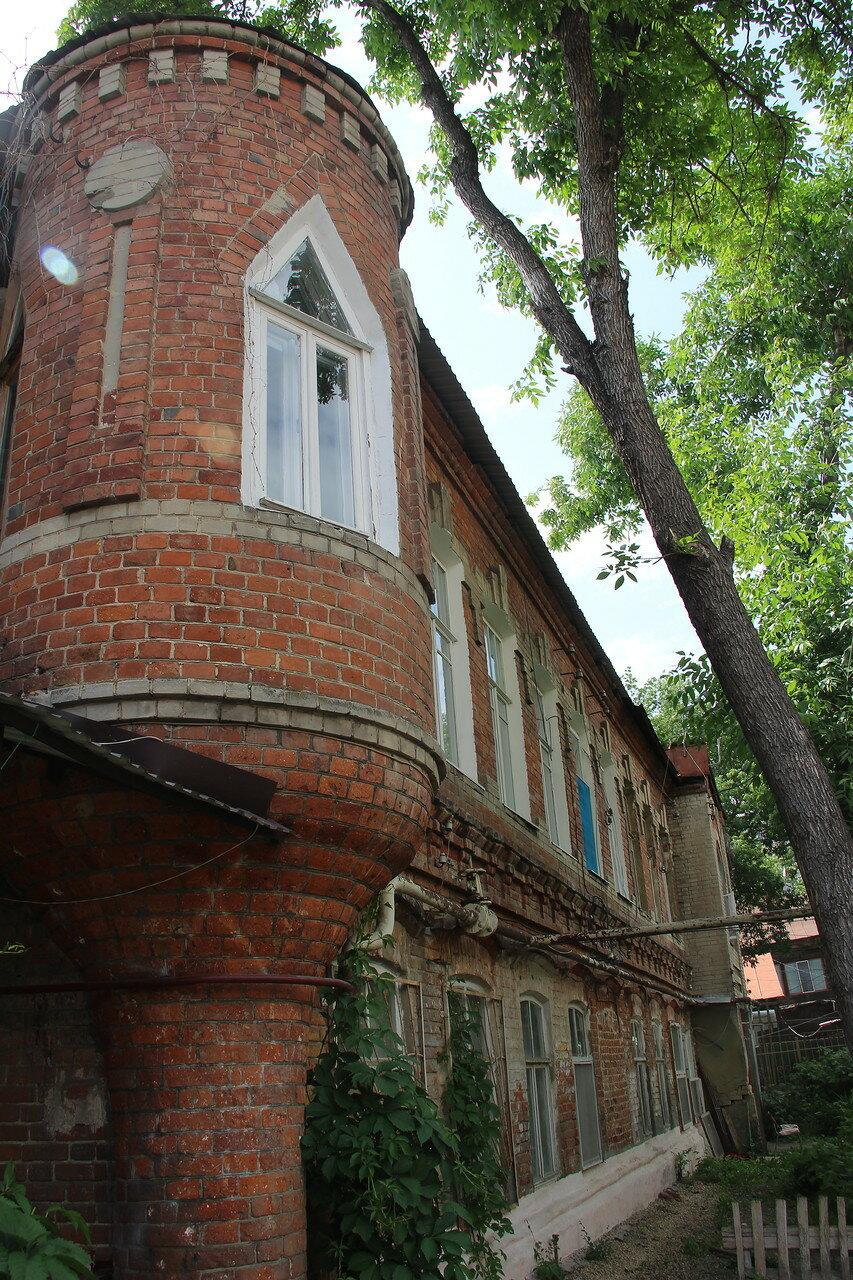 Дом-бутылка на Гоголя, Саратов