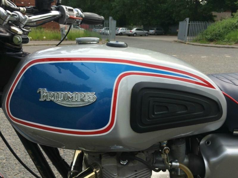 triumphbonneville-1977-8-1024x768.jpg