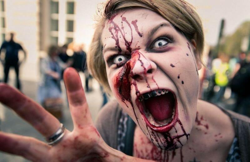 Окровавленные зомби в Брюсселе на фестивале фантастики 0 160784 4141fc94 XL