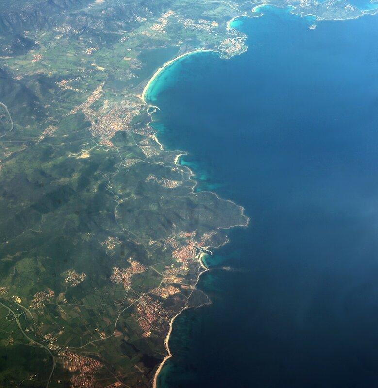 Сардиния, восточное побережье, вид с самолёта