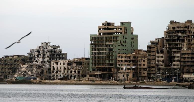 После вторжения США в Ливию Муаммар Каддафи был зверски убит, а страна погрузилась в хаос. Гражданск