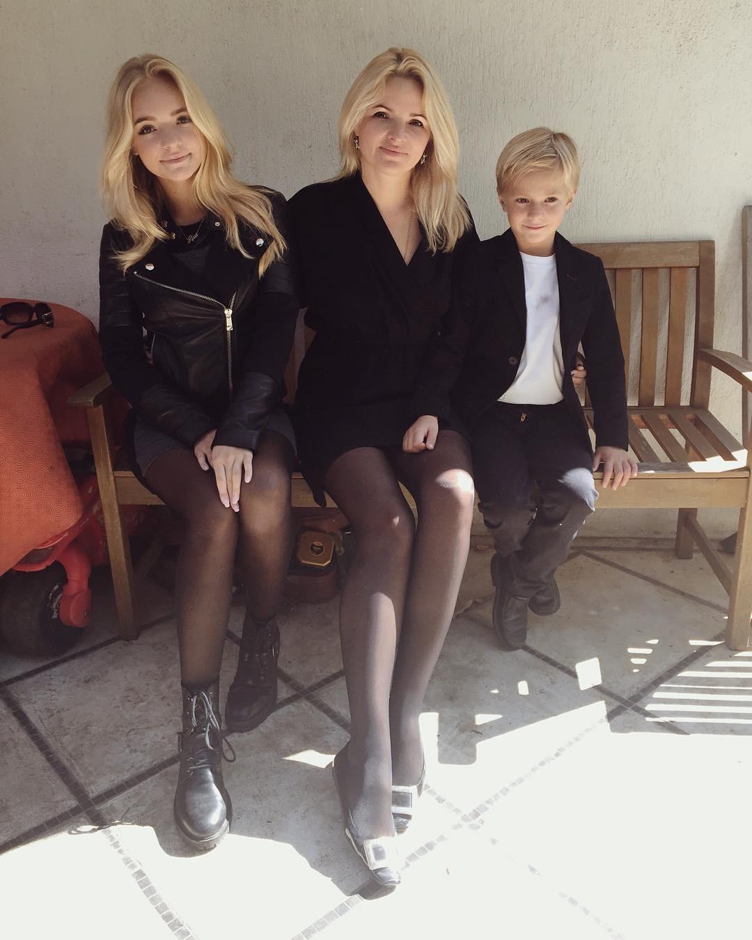 5. Анастасия и Анна Заворотнюк Сразу и не верится, что актриса старше своей дочери на 24 года