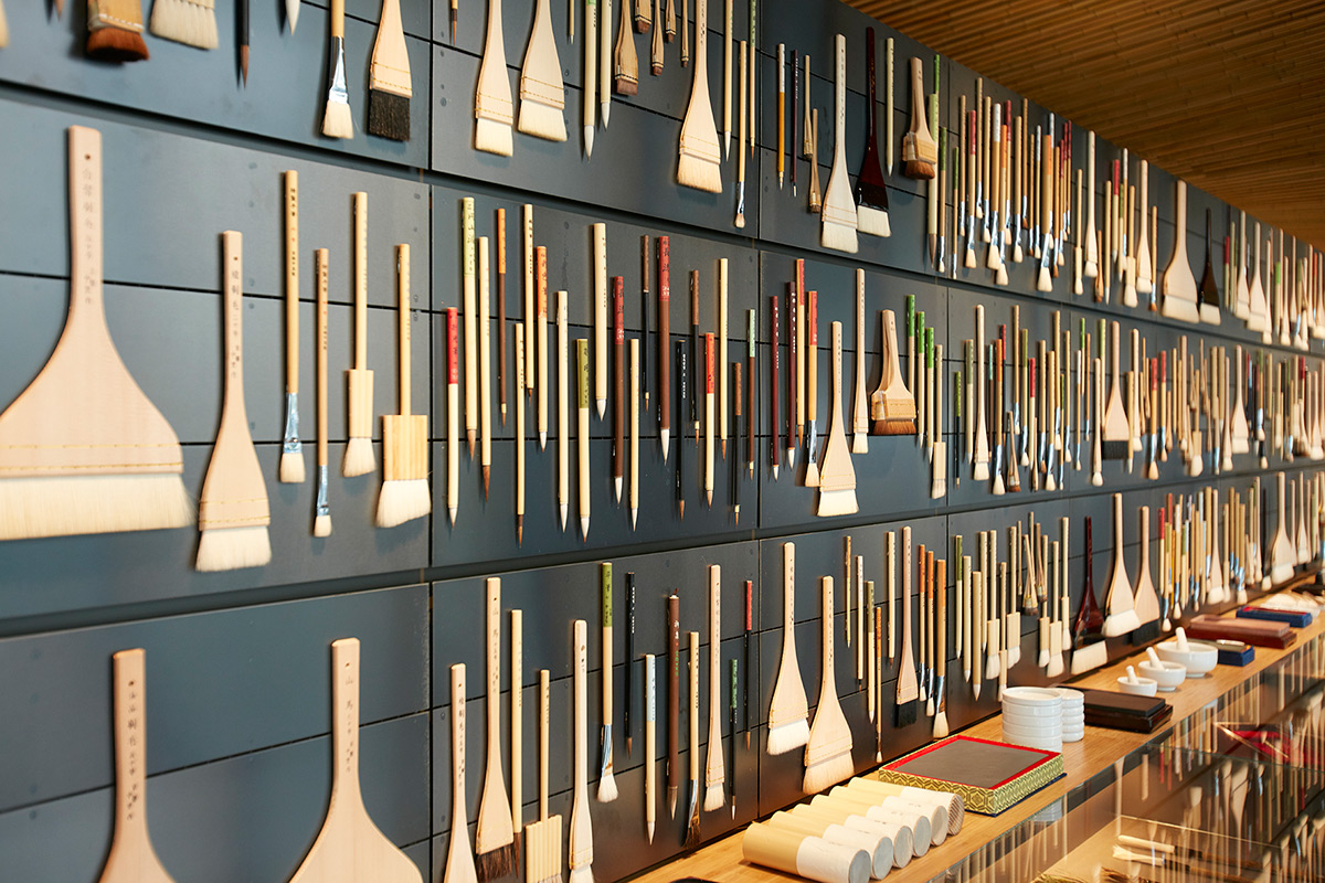A New Japanese Painting Supply Store Lines its Walls With 4,200 Different Pigments