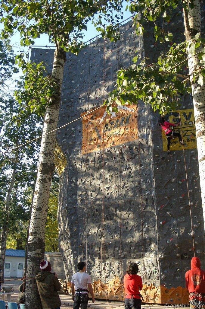 Стена для скалолазов, Алтарь Солнца, Житань, Пекин