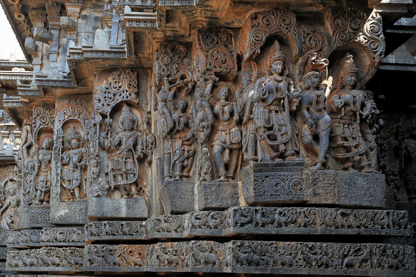 Фото №6. Храм Хойсалешвара в Халебиде, барельефы. Отзывы о поездке по интересным местам Карнатаки в Индии. 1/30, -1 eV, f 6.3, 31 mm, ISO 200