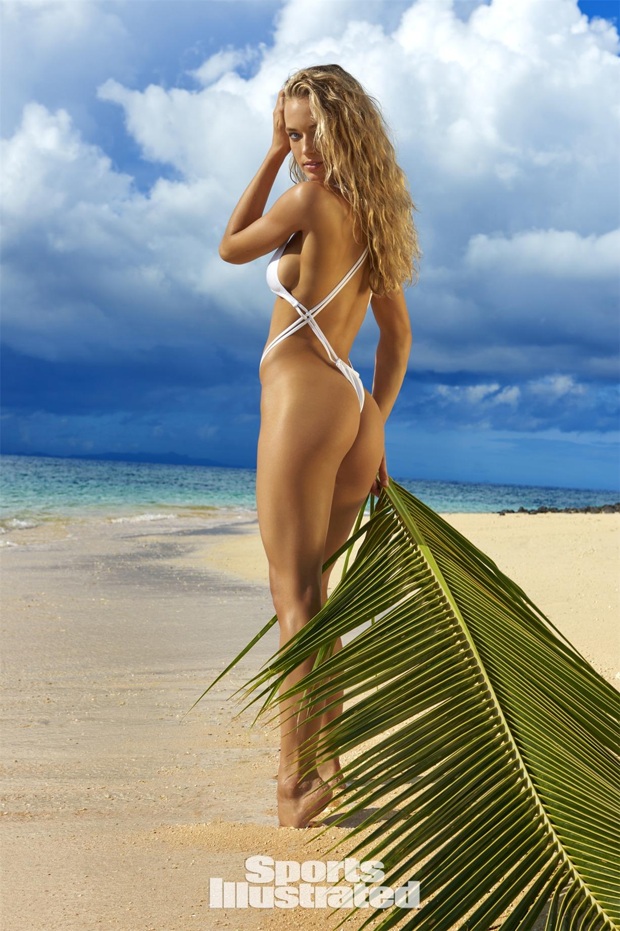 Hannah Ferguson / Ханна Фергюсон в купальниках из новой коллекции Sports Illustrated Swimsuit 2017 issue / in Fiji by Yu Tsai
