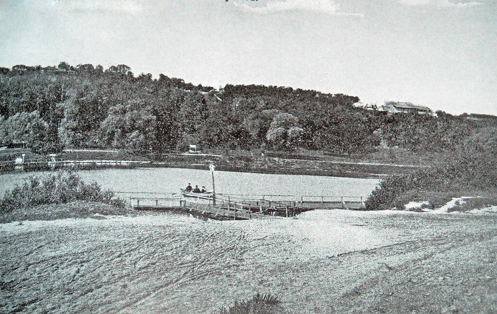 18604 Вид Воробьевых гор. Перевоз нач. 1900-х гг..jpg