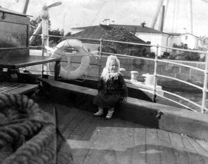 02. Редж на борту на борту «SS Zara» в гавани Ревеля
