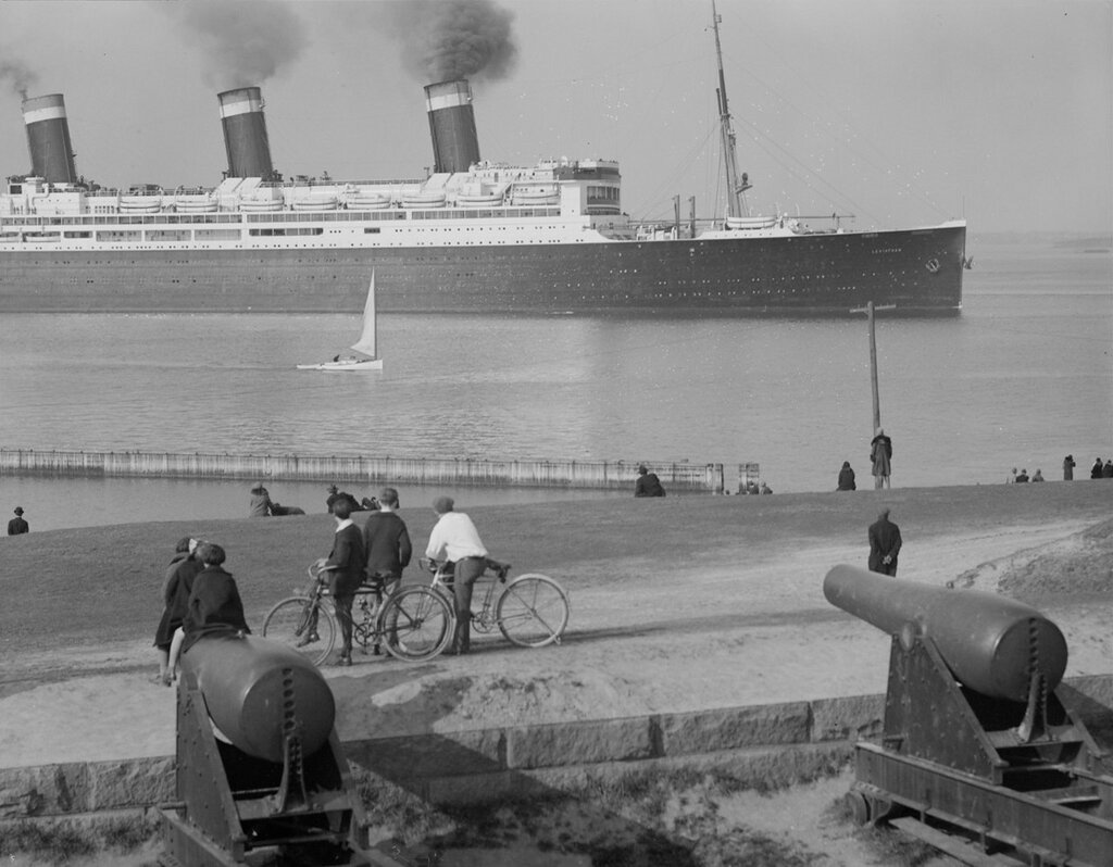 SS Leviathan from Castle Island, 1930-04-05