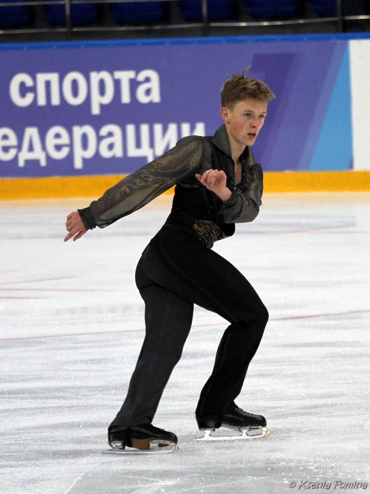 Александр Петров 0_c641a_9e69df9b_orig