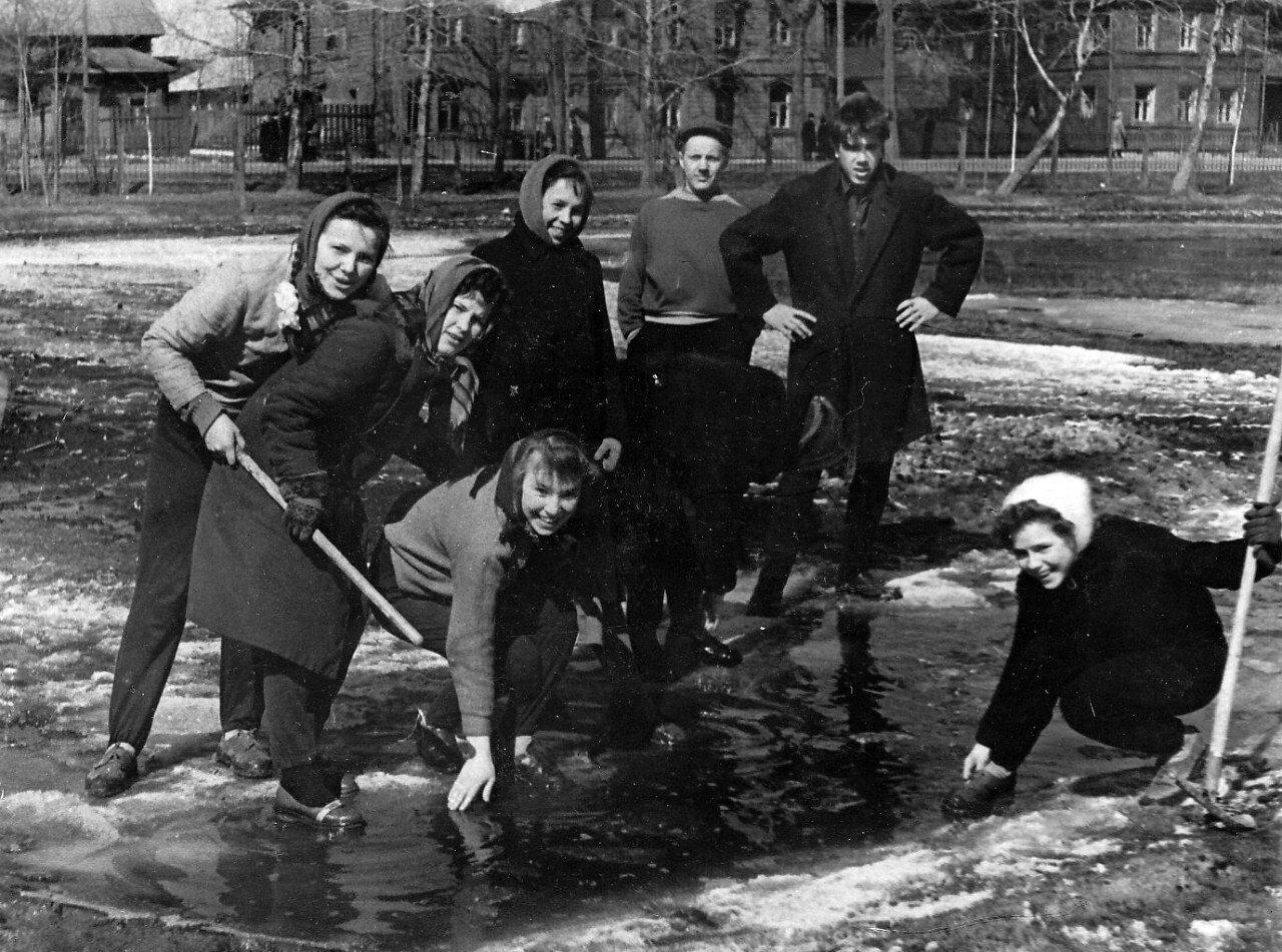 1950-е. Субботник на стадионе Трудовые резервы