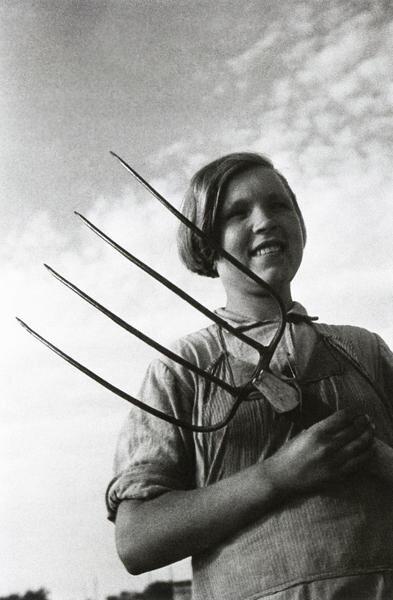 Молодая колхозница