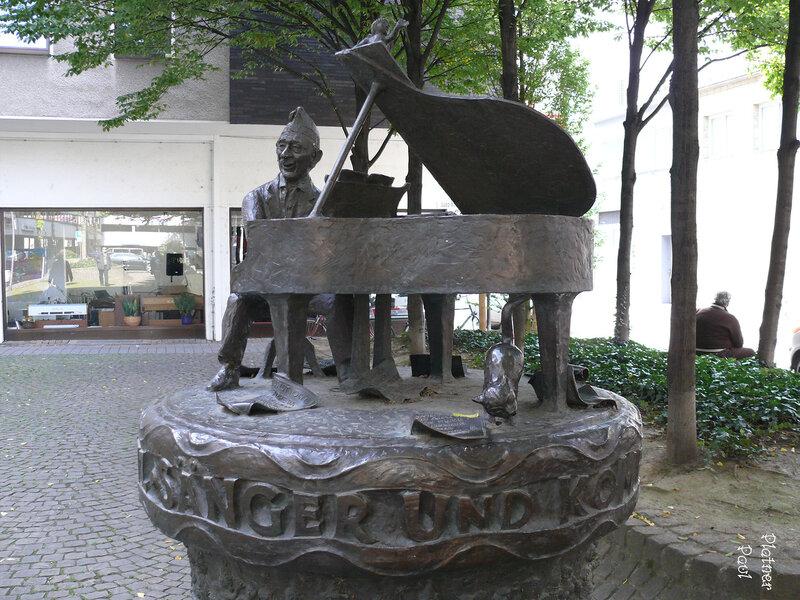 Юпп Шмитц прожил в Кёльне более 80 лет и был одним из популярнейших композиторов и автором карнавальных шлягеров.