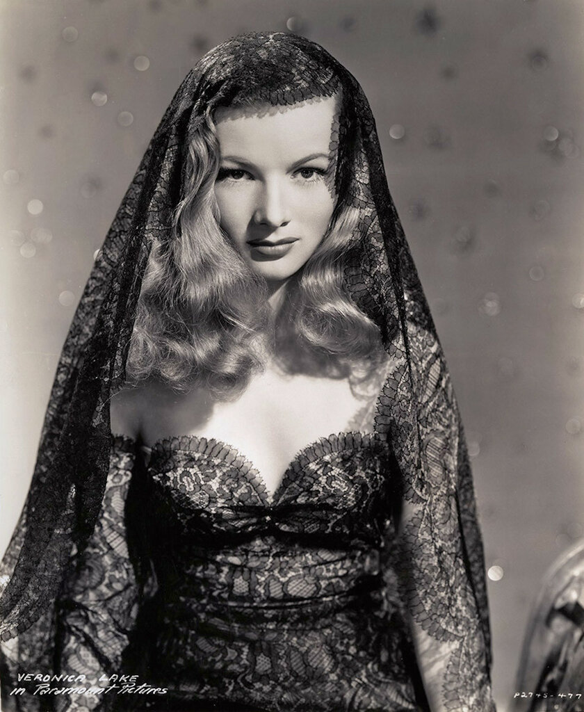 Veronica Lake photographed by Eugene Robert Richee, 1942.jpg