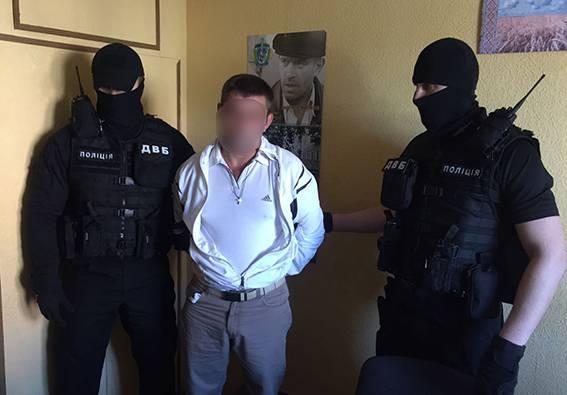 За попытку подкупа полицейского взяткой в 260 тысяч на Полтавщине задержан бизнесмен-фармацевт, деп