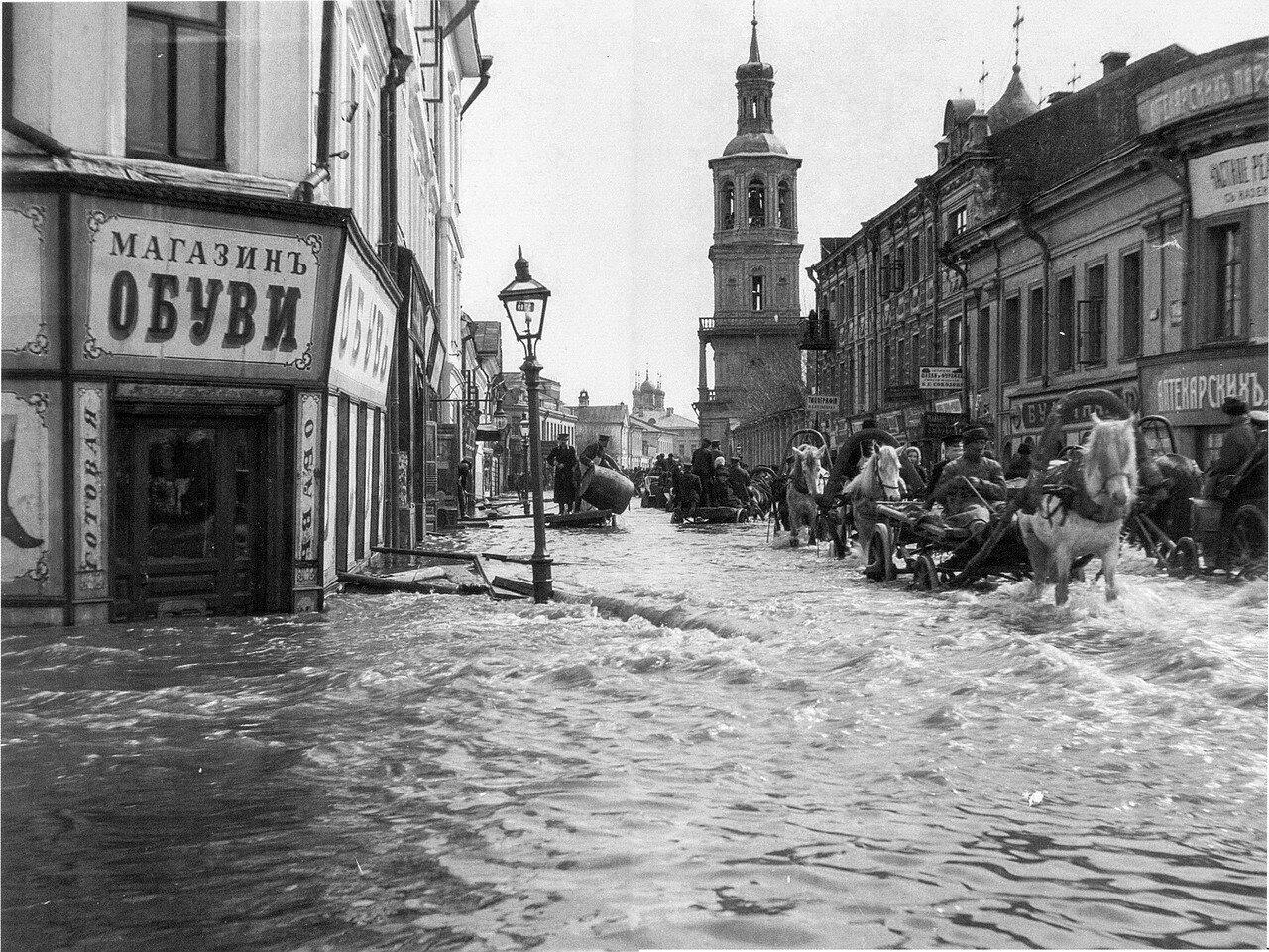 272. Наводнение в Москве. Пятницкая улица