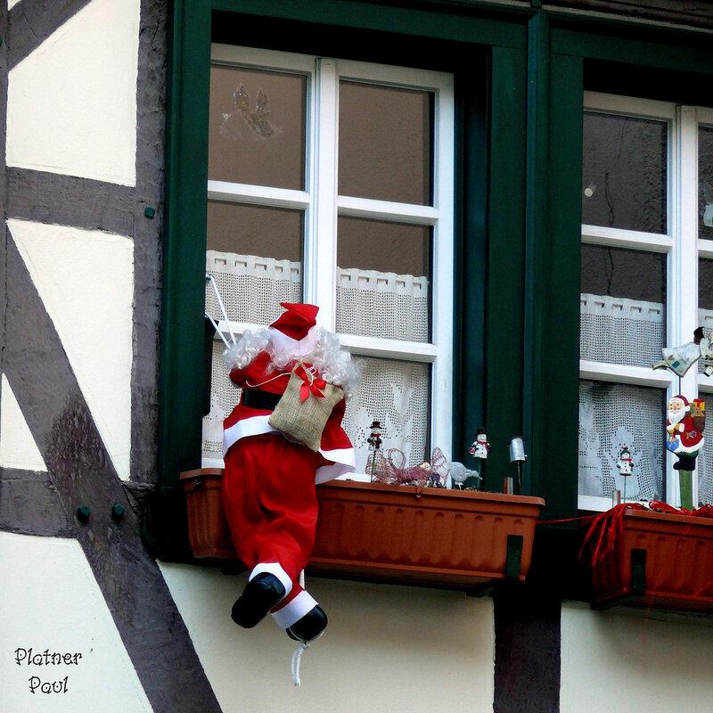 аттака Санта-Клаусов!