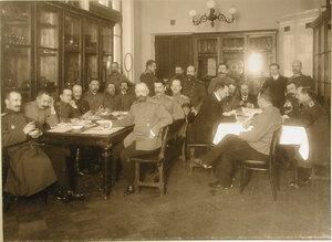 Офицеры за чаем