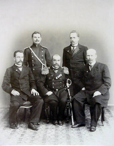 К. В. Мордвинов, младший врач А. А. Косминский, старший врач И. Х. Дзирне.
