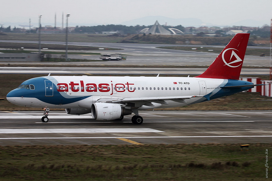 A-319-TC-ATD_AtlasJet_2_IST_for_.JPG
