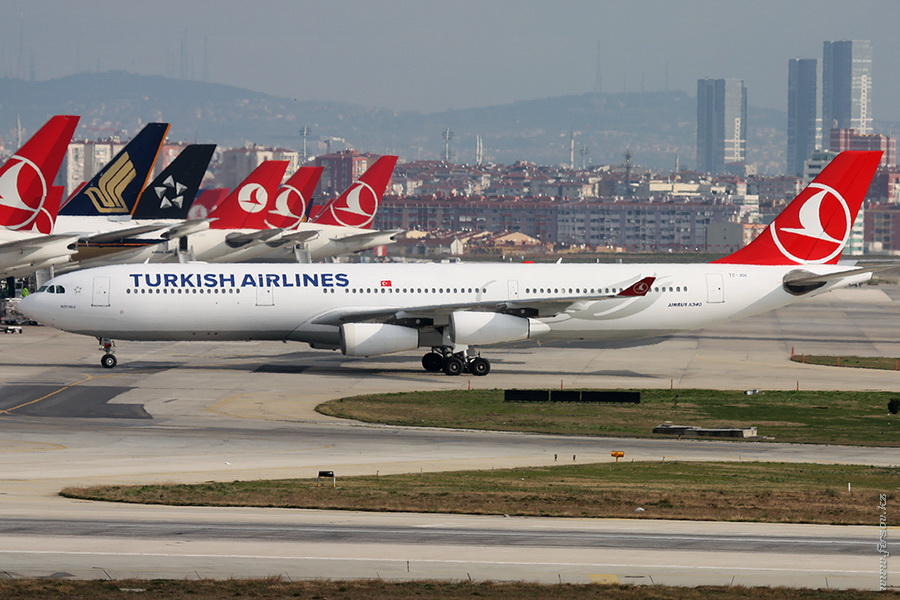 A-340_TC-JIH_Turkish_Airines_IST_for_.JPG