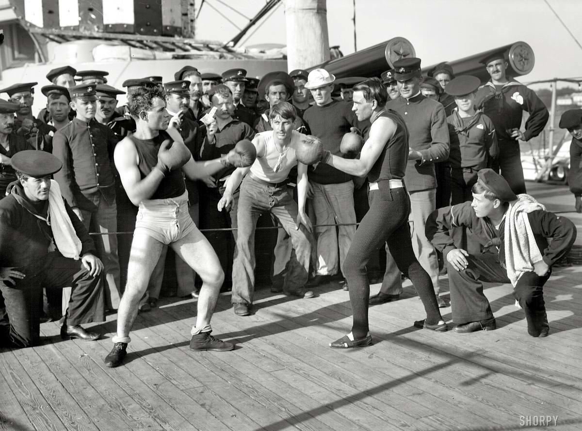 Корабли, речные суда и военные моряки на снимках американских фотографов конца 19 века (38)