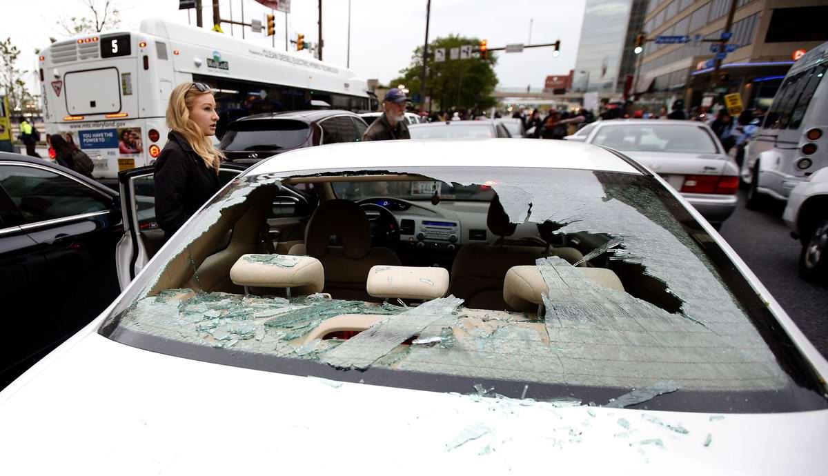 Конец полицейскому государству: Массовые протесты и уличные погромы в Балтиморе (США) (35)