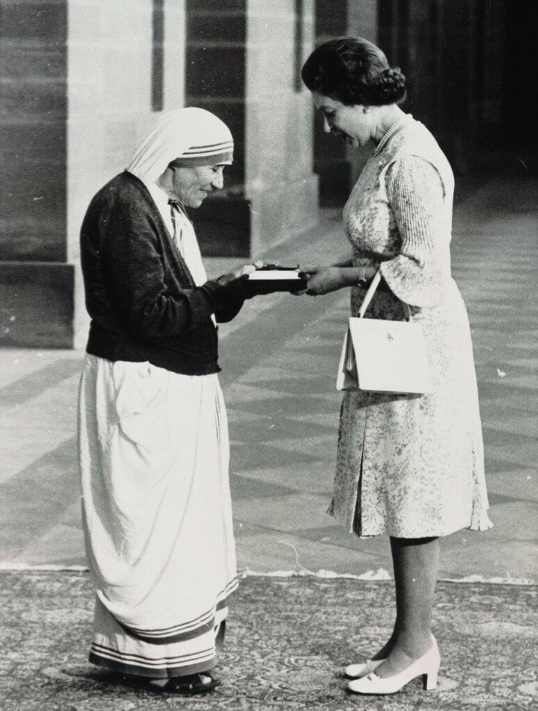 Ron Bell (1931-2001)Mother Teresa honoured by HM Queen Elizabeth II  24 Nov 1983
