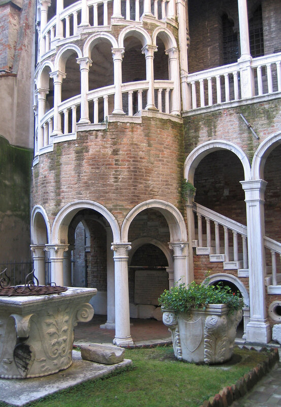 Венецианский дворик