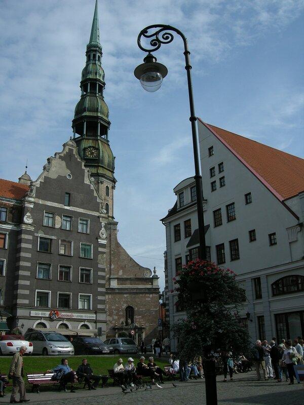 Церковь Св. Петра, вид от Ратушной площади