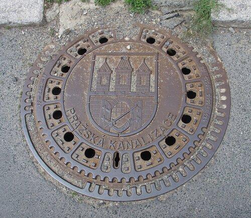 Крышка люка в Праге