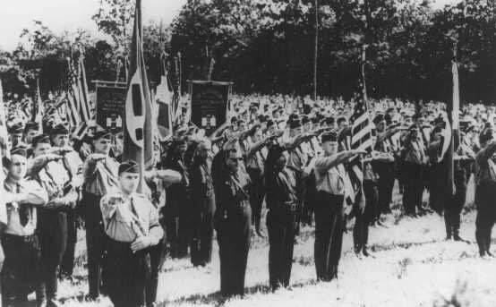 """Лагерь """"Зигфрид"""" около Нью-Йорка. 1937 год."""