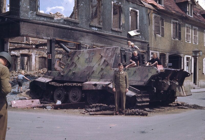 Jagdtiger 131 from s.Pz.Jg.-Abt. 653 was lost on March 30th, 1945 in Schwetzingen.jpg