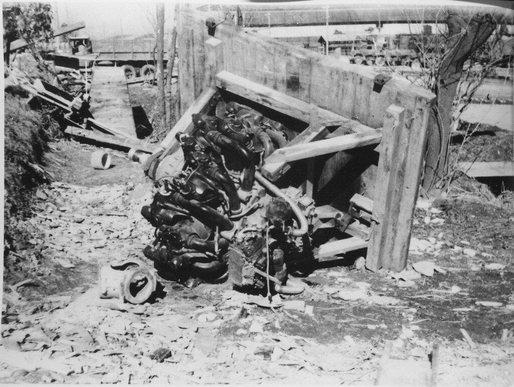 Aircraft engine, Dec 1945