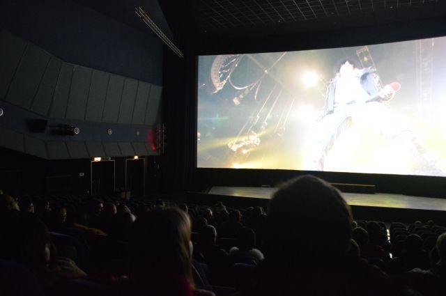 Накрыше новоиспеченной сцены Александринки 4июня состоится «бесшумный кинопоказ»