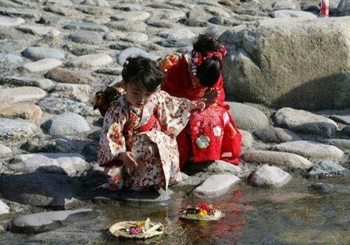 День девочек в Японии