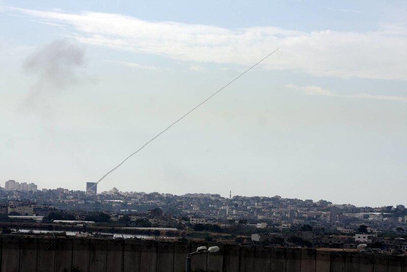ХАМАС запускает ракеты из густонаселенных кварталов Газы