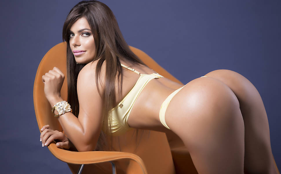 Nude Latina chick Suzana Rio gives a wicked chipmunking blowjob № 682597  скачать