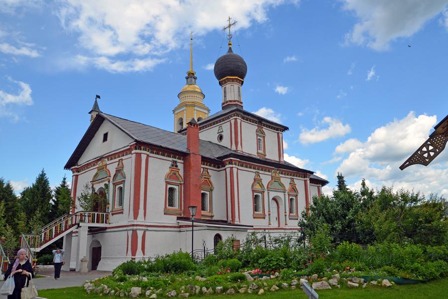 Пущинские паломники в Коломенском кремле