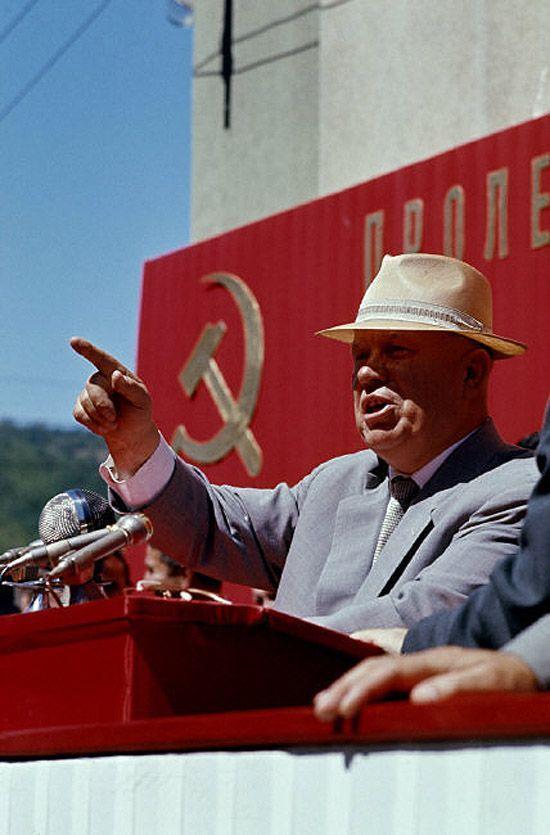 6. Сам Хрущев весь год продолжал активно летать по всему миру, укрепляя внешнеполитические позиции С