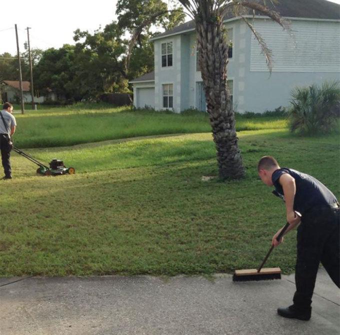 Пожарные закончили работу, которую начал пожилой мужчина