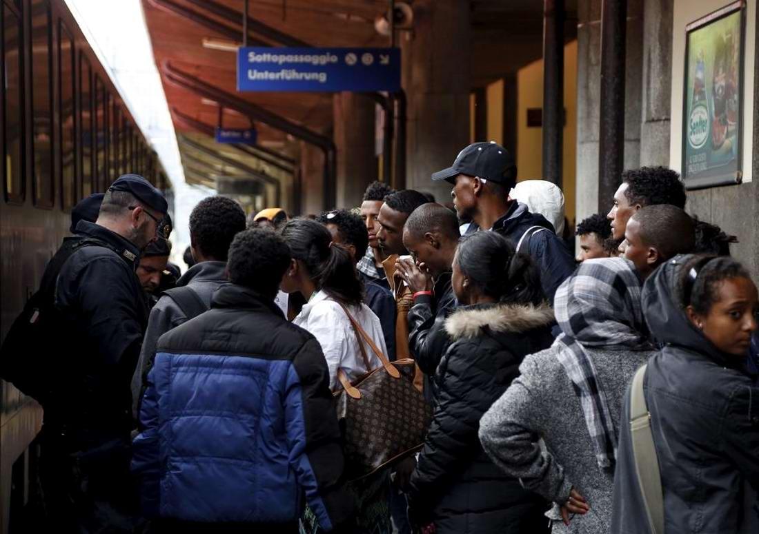 Ж/д вокзал итальянского Милана превратился в бомжатник: Миграционная политика ЕС (2)