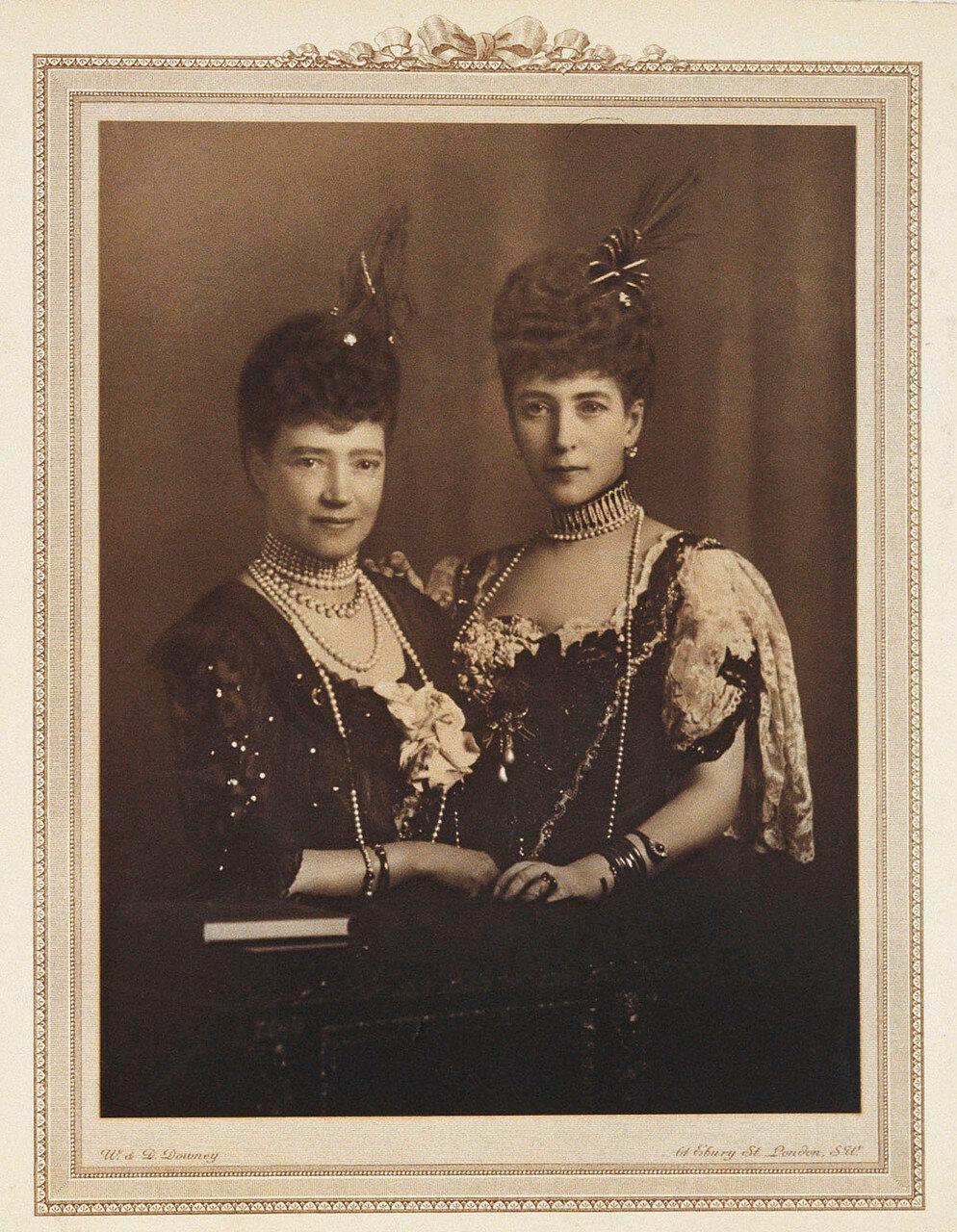 1910. Вдовствующая императрица Мария Федоровна и королева Александра