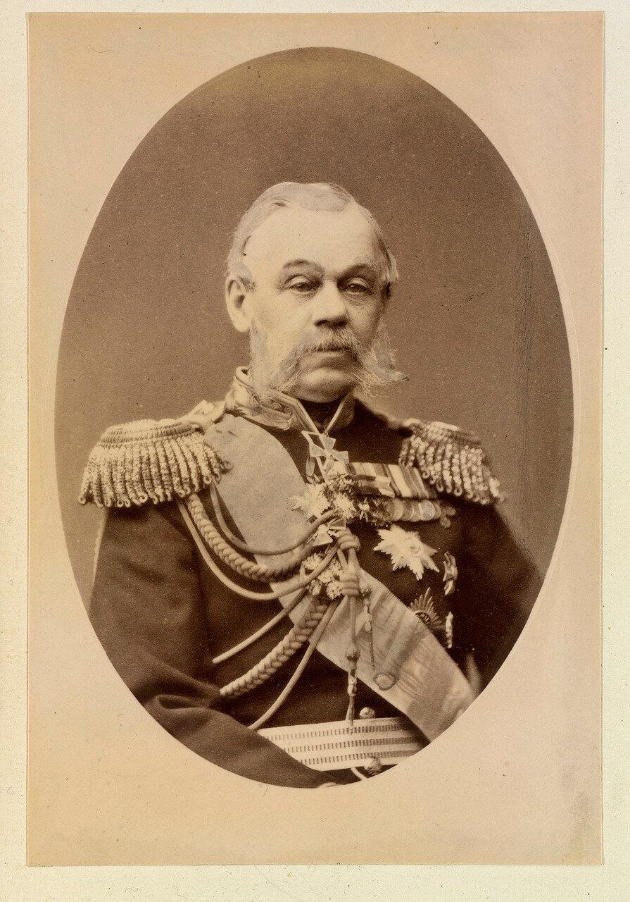 Граф (с 1878) Дмитрий Алексеевич Милютин (1816—1912) — русский военный историк и теоретик, военный министр, основной разработчик и проводник военной реформы 1860-х годов. Последний русский, носивший звание генерал-фельдмаршала (с 1898). 1874