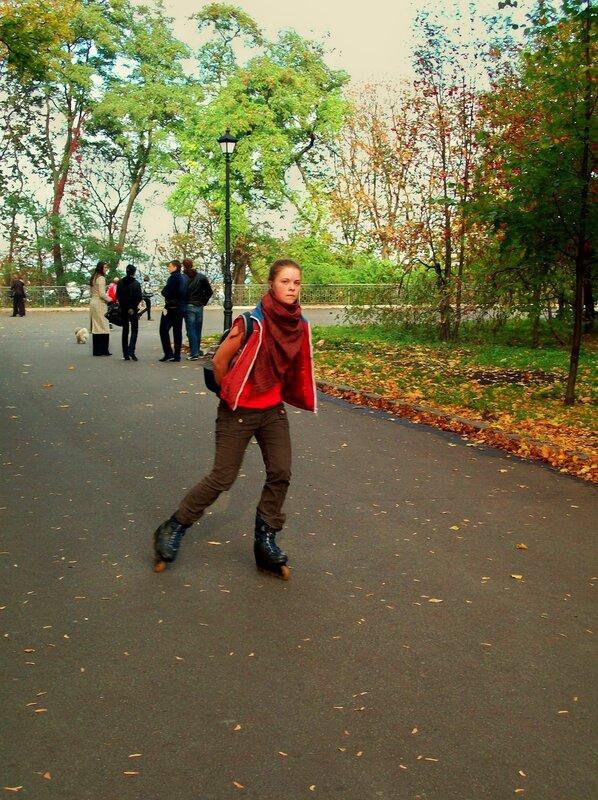 Катание на роликовых коньках в Мариинском парке