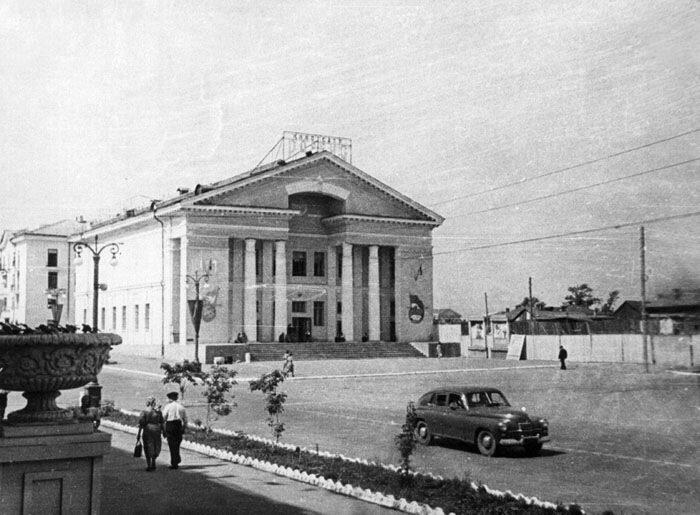 """Кинотеатр """"Россия"""", 1957 г."""