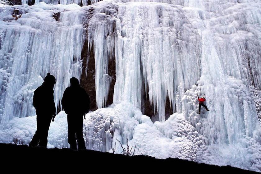 Удивительные замерзшие водопады по всему миру 0 141bb8 d2093266 orig