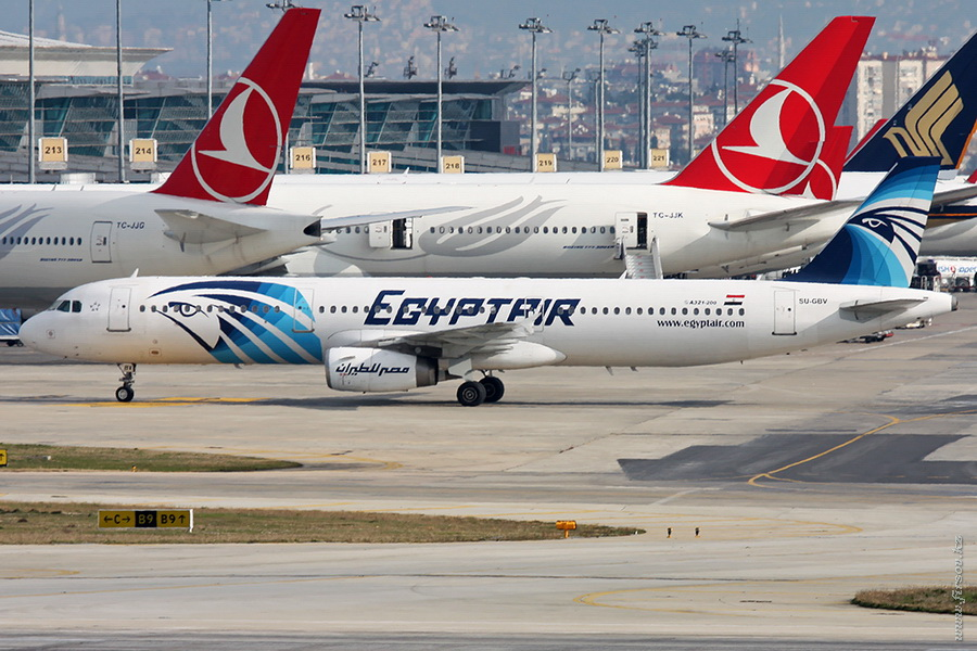 A-321_SU-GBV_Egyptair_1_IST_for_.JPG