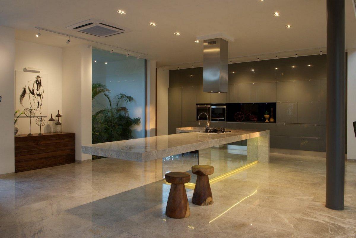 S A K Designs, In and Out, частный дом в Индии, современный дом в Индии, точечное освещение, рулонный газон, ландшафтный дизайн частного дома фото